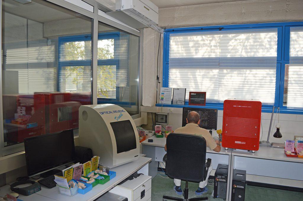 Laboratori odontotecnici vicino Milano